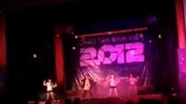 Sinh viên đại học nhảy Gangnam Style chào 'lính mới'