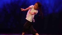 Bé gái 8 tuổi 'Ru Trăng' tại Got Talent