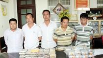 Lào Cai: Bắt 8 đối tượng, thu giữ 97 bánh heroin