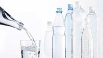 Hiểm họa khi uống nhiều nước lúc đói