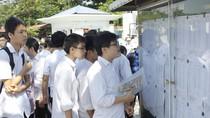 Nhiều thí sinh quên mang phiếu báo thi trong ngày làm thủ tục dự thi lớp 10