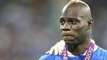 """Nước mắt Balotelli: """"Bad boy"""" cũng có quyền được khóc"""