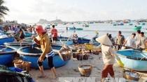Phát triển kinh tế biển gắn với bảo vệ quốc phòng, an ninh