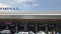 Tùy tiện thu phí ô tô vào ga hàng không, người đứng đầu phải chịu trách nhiệm