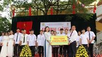 Báo điện tử Giáo dục Việt Nam tặng 24 xe đạp cho học sinh Trường Bến Tre
