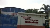 Trường Nguyễn Hữu Tiến lấy tiền phụ huynh mua camera, bỏ mặc học sinh chịu nóng