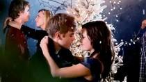 Nghe MV Mistletole - Justin Bieber