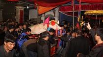 """Độc nhất vô nhị chỉ có ở lễ rước """"ông Lợn"""" lúc nửa đêm ở Hà Nội"""