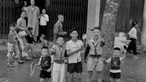 """Nét riêng của những """"em bé"""" Hà Nội ở thời kỳ trước năm 1975 (P4)"""