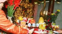 Chướng mắt: Những hành động không thể chấp nhận ở chốn cửa Phật (P14)