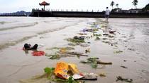 Quá 'sốc' về nạn 'chặt chém' và rác thải ở biển Hạ Long, Quảng Ninh