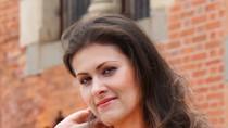 Điều ít biết về nữ phi công Ba Lan, xinh như người mẫu của Vietjet Air