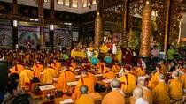 Đức Gyalwang Drukpa cầu siêu cho các nạn nhân trong thảm họa cháy chung cư