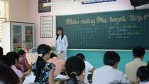 Trăm nỗi tơ vò đầu năm học mới của trẻ em nghèo phố biển