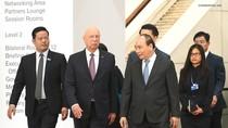 Thủ tướng tiếp Giáo sư sáng lập WEF