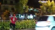 Clip: Nhảy 'Michael Jackson' nguy hiểm giữa lòng đường