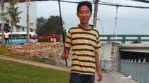 Video: Câu cá, bắt rắn trên dòng kênh Nhiêu Lộc - Thị Nghè