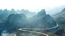 Phát hiện bộ cuốc đá cổ tại Cao nguyên Đồng Văn