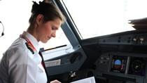 Nữ phi công Ba Lan xinh đẹp của hãng hàng không Vietjetair