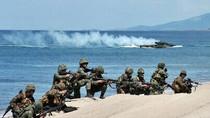 Báo Trung Quốc: Philippinese nghiêng về Mỹ coi như tự cắt đường lui