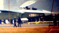 """Báo Trung Quốc """"nổ tung trời"""" về """"tàu chiến Ngân Hà"""" J-20"""