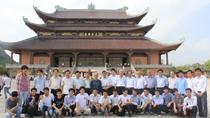 64 lưu học sinh Campuchia thăm cố đô Hoa Lư