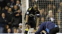 Cận cảnh sao trẻ Bolton suýt đột tử trên sân bóng