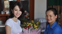 Chùm ảnh: Hoa hậu Thu Thảo tề tựu bên bà con, hàng xóm