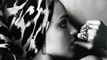 Choáng: Miranda Kerr không mặc gì trên Harper's Bazaar