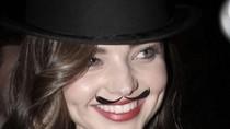 Jessica Alba, Miranda Kerr, Megan Fox... mọc râu