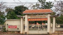 Sinh viên bị cấm thi tốt nghiệp mới biết học phí bị chiếm đoạt
