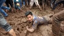 Chùm ảnh: Lấm lem lội bùn cướp phết ở Phú Thọ