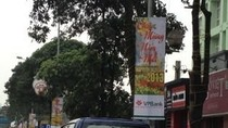 Clip: Quảng Cáo trên đường phố sai quy định, gây mất cảnh quan đô thị