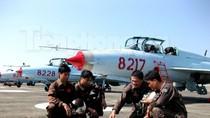 Dàn máy bay gác giữ Trường Sa của Không quân Việt Nam