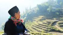 Sa Pa quyến rũ với váy áo người Mông