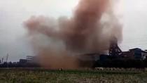 Người dân và chính quyền nhiều lần thấy nhà máy thép Hòa Phát nhả khói bụi