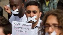 Hơn 2.000 SV nước ngoài bị trục xuất khỏi Anh