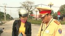 """Cảnh sát giao thông dùng luật """"rừng"""", giữ xe người dân 6 ngày không lý do"""