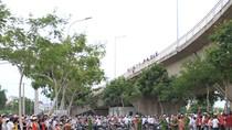 Tai nạn ở cầu Thuận Phước, 3 người rơi xuống đất, 2 người chết
