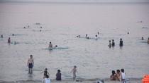 Đà Nẵng sẽ phạt nặng người vứt rác lung tung tại các bãi biển