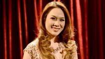 Ảnh Mỹ Tâm tươi rói nhận giải Nghệ sĩ xuất sắc nhất MAMA