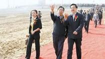 Phó chủ tịch tỉnh thị sát, địa phương trải 100 m thảm đỏ đón đường