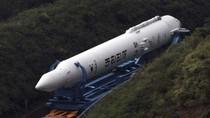Sáng nay Hàn Quốc lắp tên lửa vào bệ phóng