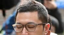 Con trai Tổng thống Hàn xuất hiện, hàng trăm phóng viên bám theo