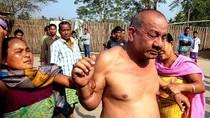 """Ấn Độ: Một """"dâm quan"""" bị dân đuổi đánh vì cưỡng hiếp phụ nữ"""