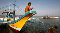 "Trung Quốc ""xua đuổi"" tàu cá Philippines khỏi Scarborough"