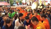 Suthep, Yingluck tạm nghỉ biểu tình để ăn Tết với những người ủng hộ