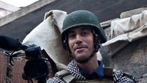 Video: Nhà báo học cách xử lý tình huống khi gặp khủng bố