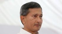 """Ngoại trưởng Singapore bỏ họp báo ra về là """"chơi đẹp"""" trong thuật ngoại giao!"""