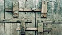 Những cánh cửa đóng chặt ở Bộ Giáo dục và Đào tạo